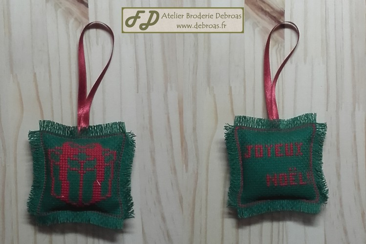 Cadeau rouge sur vert 1