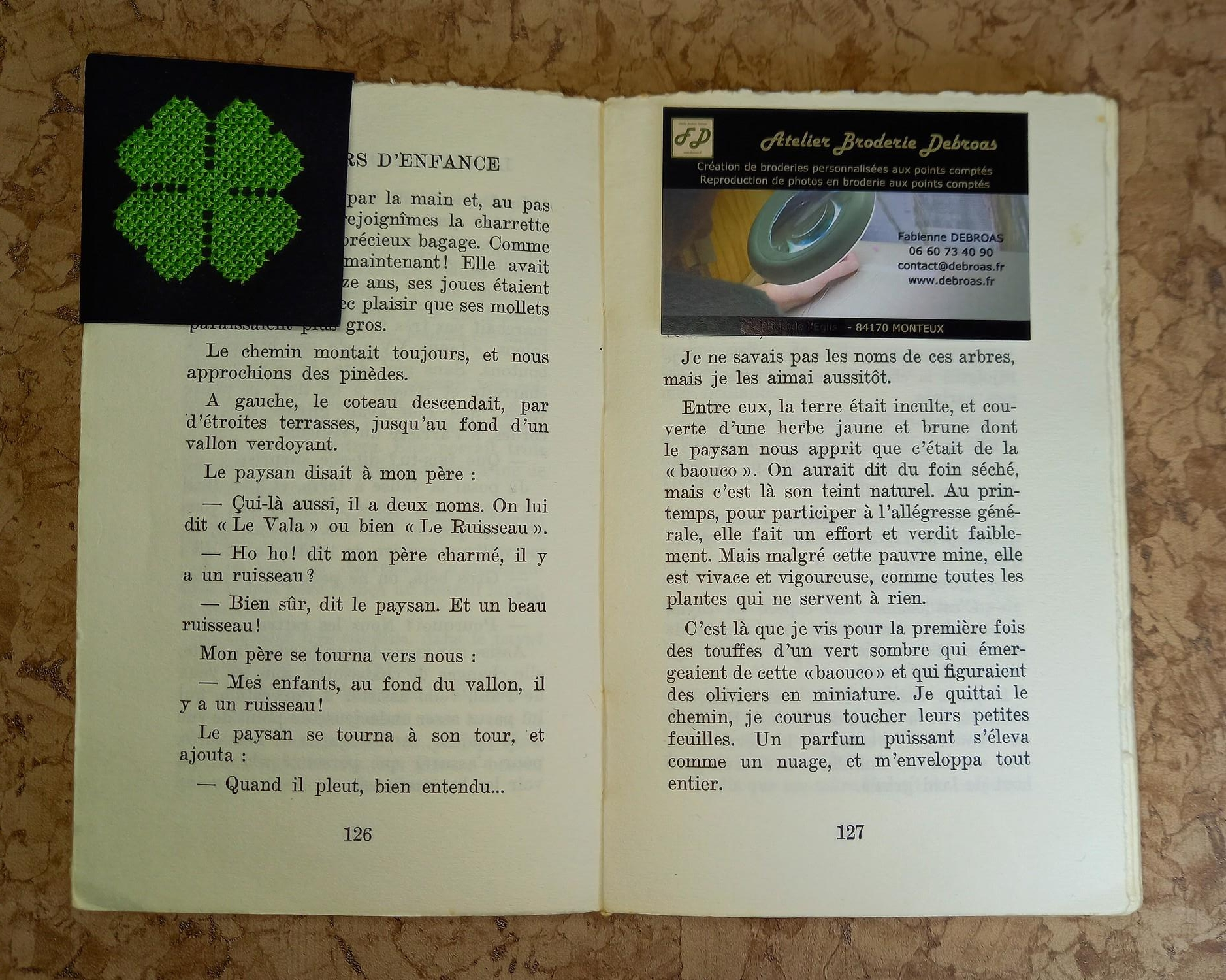 Marque page trefle 4 feuilles situation